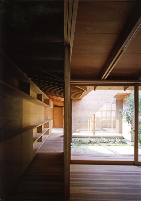 house-in-wakaura-by-archivi-architects-associates9.jpg