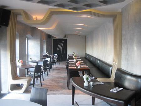 izz-cafe-restaurant-by-ugur-kose-and-batu-palmer-03.jpg