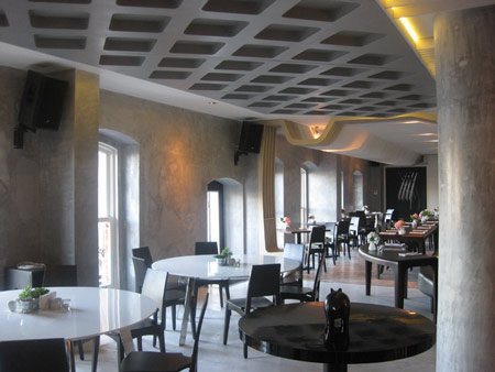 izz-cafe-restaurant-by-ugur-kose-and-batu-palmer-04.jpg