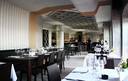 izz-cafe-restaurant-by-ugur-kose-and-batu-palmer-09.jpg