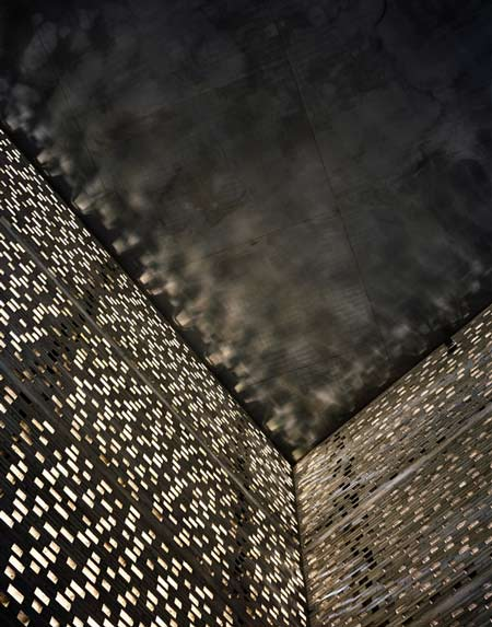 photographs-of-the-work-of-peter-zumthor-by-helene-binet-12.jpg