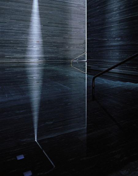 photographs-of-the-work-of-peter-zumthor-by-helene-binet-18.jpg