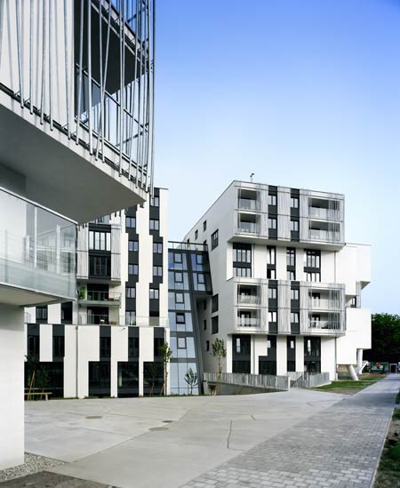 residential-area-at-sensengasse-by-josef-weichenberger-architects15.jpg