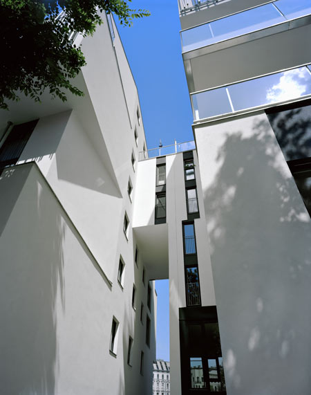 residential-area-at-sensengasse-by-josef-weichenberger-architects18.jpg
