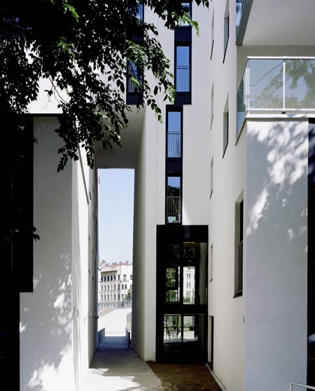 residential-area-at-sensengasse-by-josef-weichenberger-architects19.jpg