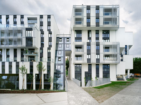 residential-area-at-sensengasse-by-josef-weichenberger-architects29.jpg