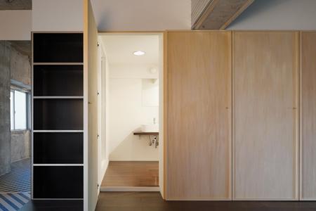doors-by-hiroyuki-tanaka-architects-13.jpg