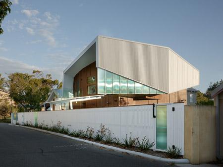 swan-street-house-by-iredale-pedersen-hook-architects-14.jpg