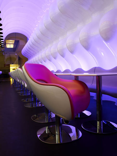 switch-restaurant-by-karim-rashid-23.jpg