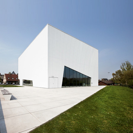 Community Centre by Dierendonck Blancke