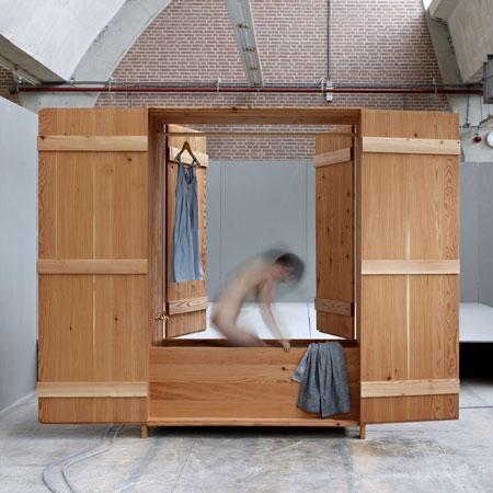 Badkast by Anna van der Lei