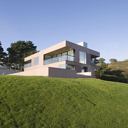 Precast House by FKL Architects