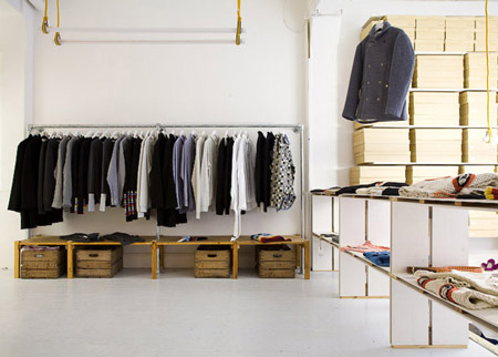 Boutique Interior Design on Pinterest   Clothing Boutique Interior