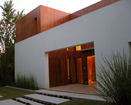 House in Buenos Aires by Guillermo Radovich