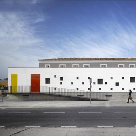 dzn_-Nuestra-Senora-del-Castellar-Public-School-by-GRG-Arquitectos-2
