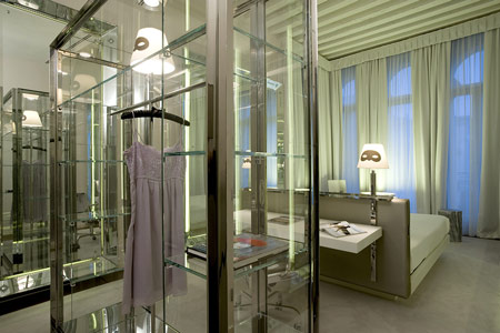 dzn_Palazzina Grassi by Philippe Starck 12
