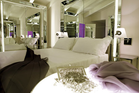dzn_Palazzina-Grassi-by-Philippe-Starck-17