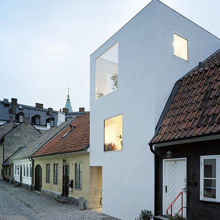 dzn_Townhouse-in-Landskrona-by-Elding-Oscarson-2