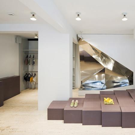 dzn_AM-store-Athens-by-Pierre-Jorge-Gonzalez-100