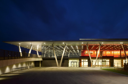 dzn_Stadthalle-Offenburg-by-Hetzel-and-Ortholf-9
