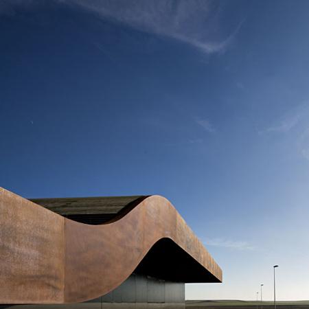 dzn_Aeroport-Lleida-Alguaire-by-b720-Arquitectos-1