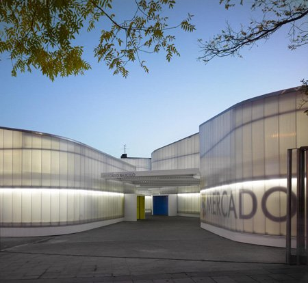 roland halbe has sent us his photos of a temporary market in madrid designed by spanish office nieto sobejano arquitectos
