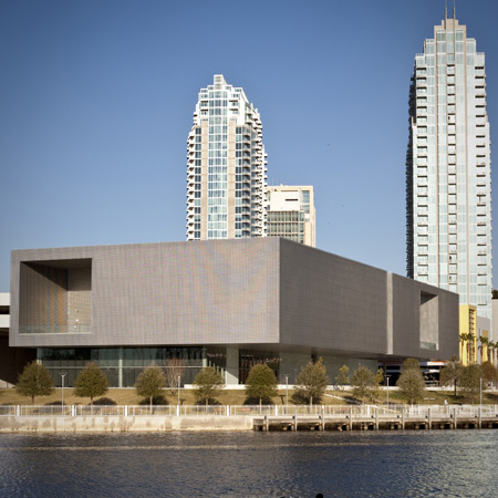 dzn_Tampa-Museum-of-Modern-Art-by-Stanley-Saitowitz-80