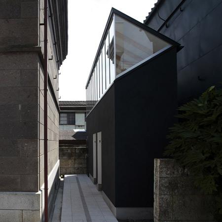 dzn_Tokinokura-Lavatories-Shimodate-by-Shuichiro-Yoshida-Architects-1