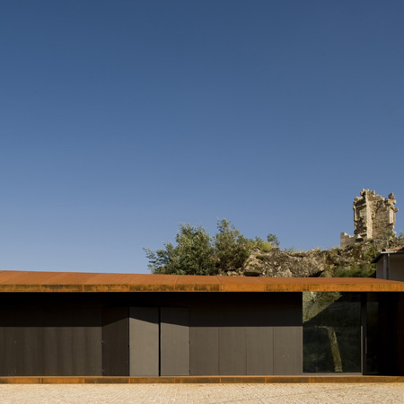 Castelo Novo by Comoco Architects