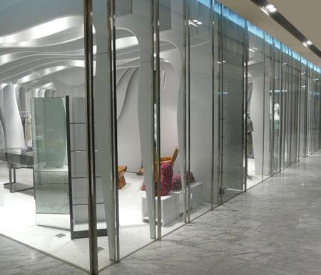 Дизайн интерьера торгового зала бутика одежды Беларусь.