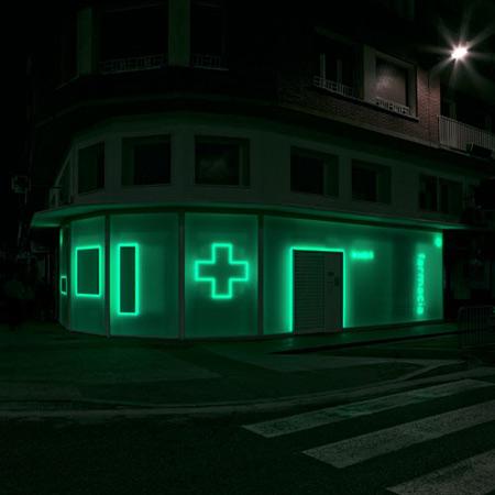 A Pharmacy in La Puebla 15 by BUJ+COLÓN Arquitectos