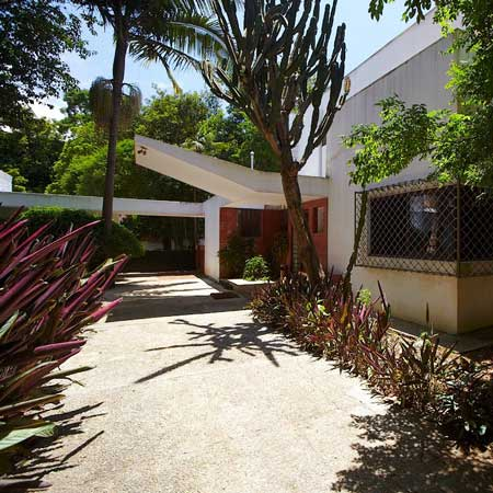 Casa Modernista da Rua Santa Cruz by Gregori Warchavchik