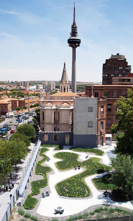 Garden in Madrid by Estudio Caballero Colón