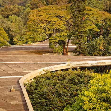 Movie by Pedro Kok: Marquise do Parque do Ibirapuera by Oscar Niemeyer