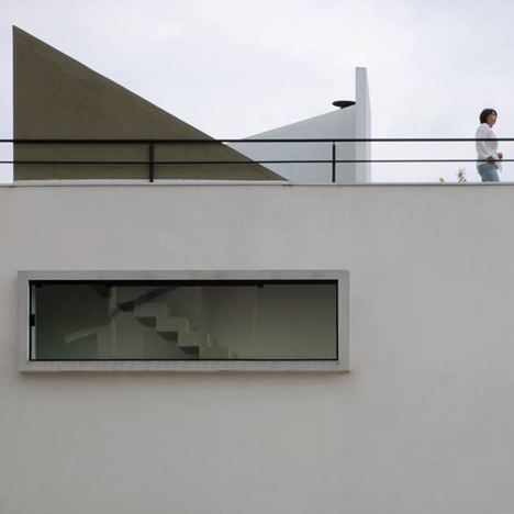 Mirante do Horto House by Flavio Castro