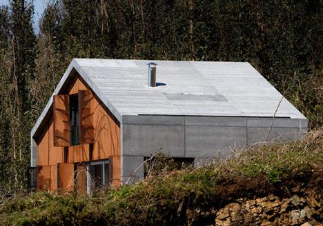 Prefab House in Cedeira by MYCC