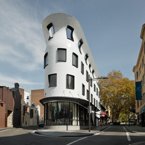 Roslyn Street Bar and Restaurant by Durbach Block Architects