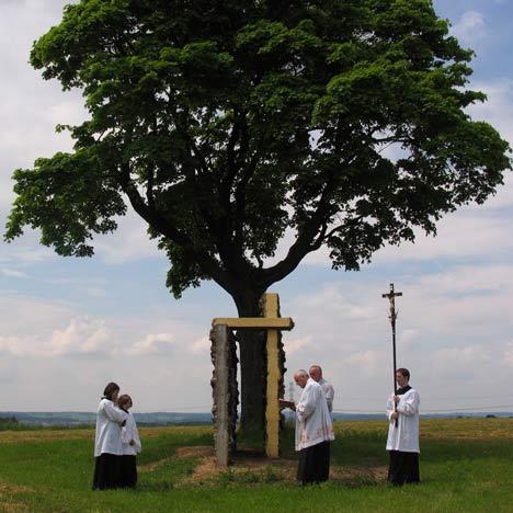 The Cross-Gate by Ivo Pavlik