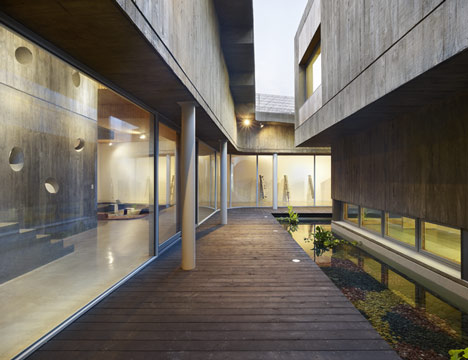Cement Visitors Center by BCHO