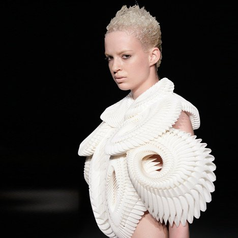 Crystallization by Iris van Herpen, Daniel Widrig and .MGX by Materialise