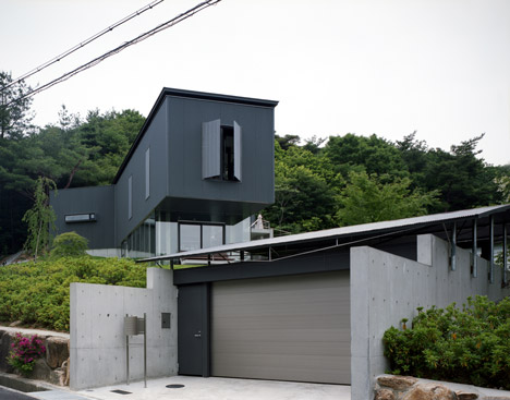 Lifted House by Masato Sekiya