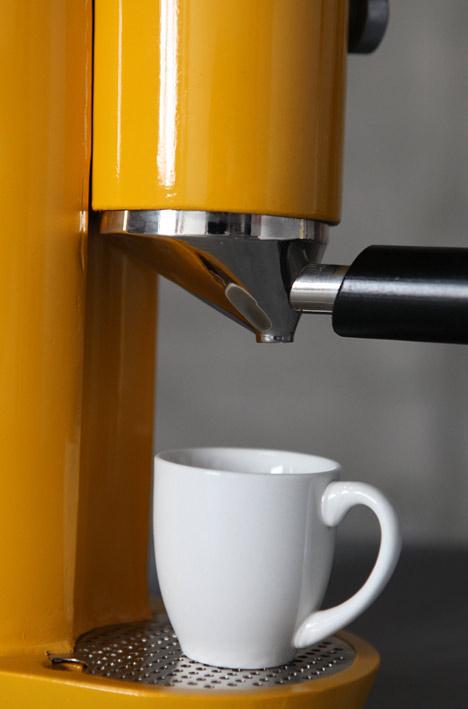 Coffee machine by yaniv berg