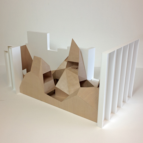 Two models for embassies (retreat I & II)by Anne Holtrop