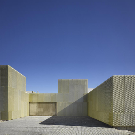 San Blas, Usera and Villaverde by Estudio Entresitio