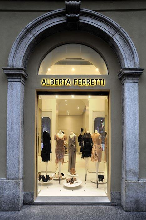 Alberta Ferretti via Montenapoleone by Sybarite