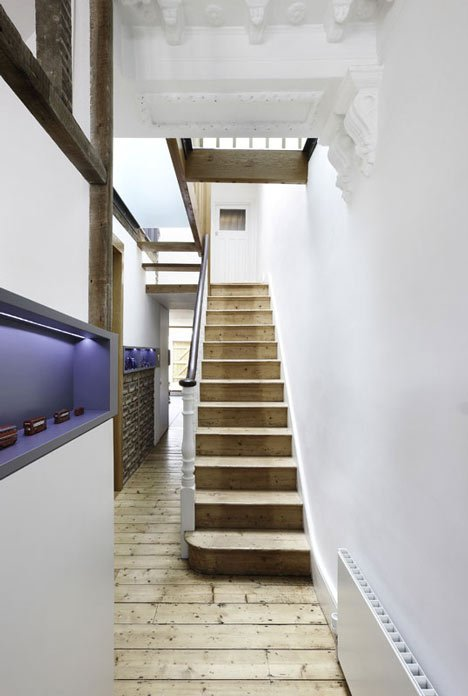 Gallery House By Studio Octopi