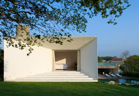 Santo Amaro House by Isay Weinfeld