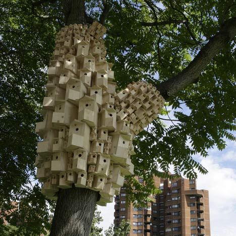 Spontaneous City in the Tree of Heavenby London Fieldworks