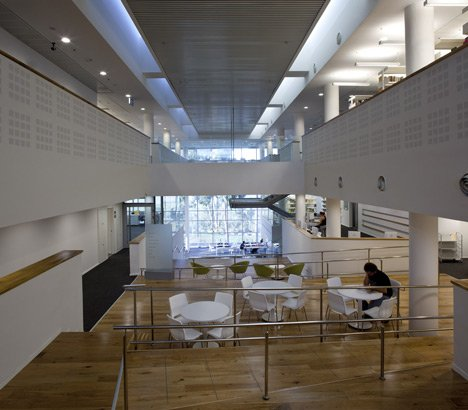 The Robert and Yadelle Sklare Family Library by Schwartz Besnosoff Architects