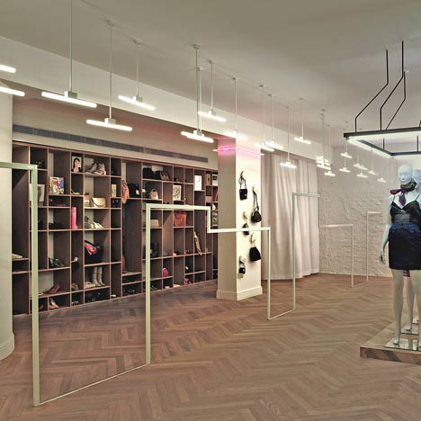 Fashion Boutique by k1p3 Architects